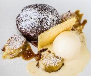 breezekohtao.com Muaylee's steamed sticky banana cake with vanilla ice cream